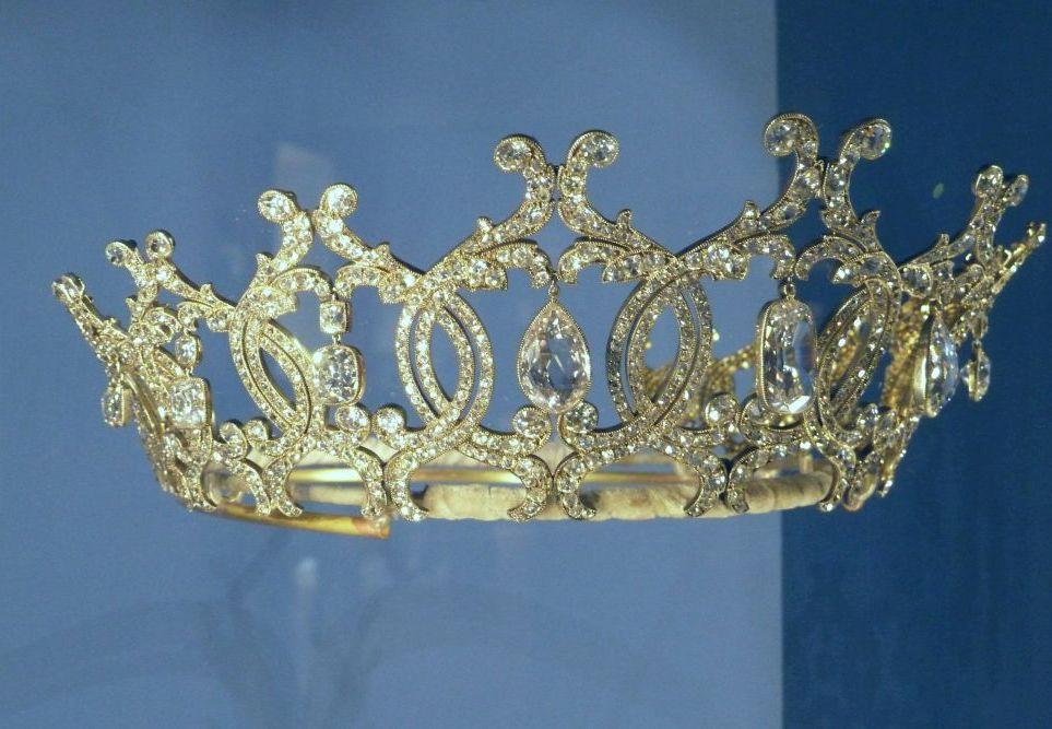 تيجان ملكية  امبراطورية فاخرة P1030801a